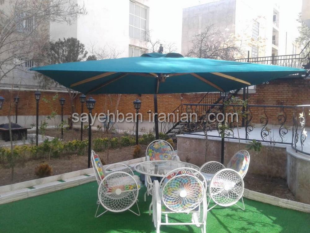 چتر پایه کنار منزل اقای محمدی درکه